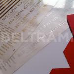 Etichette gold e silver per la decorazione delle confezioni di profumo.